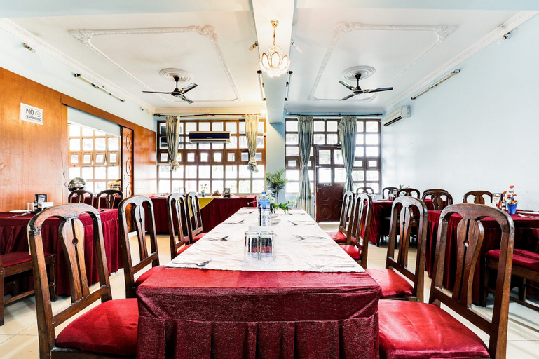 SPOT ON 555 Hotel Gangotri, Narayani