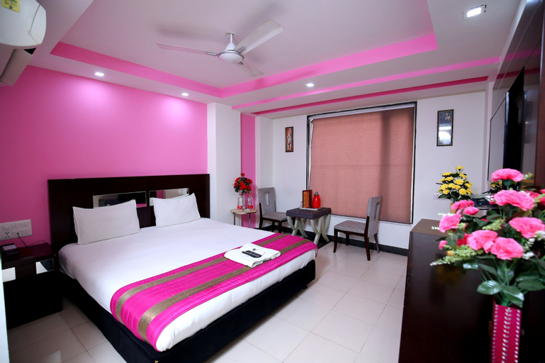 Hotel Raj Villa, West