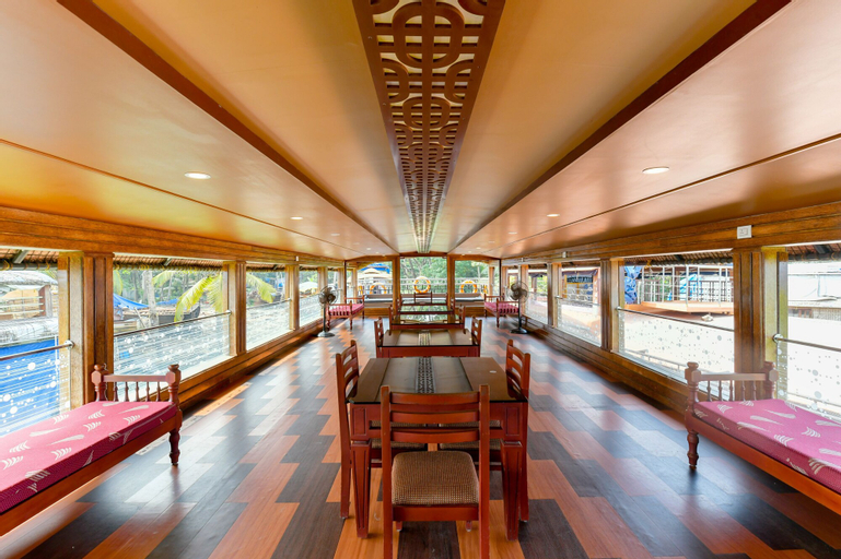 OYO 23227 Alleppey Eco Houseboat 3 Bhk, Alappuzha