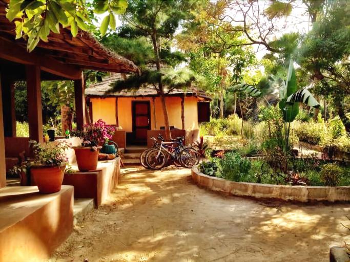 Nemasu Eco-Lodge, Kombo South