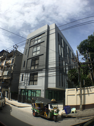 28 Place, Phasi Charoen
