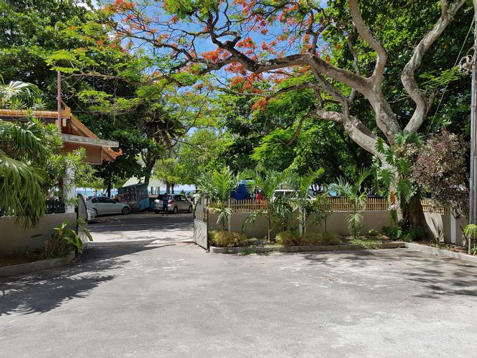 Pereybere Beach Apartments,
