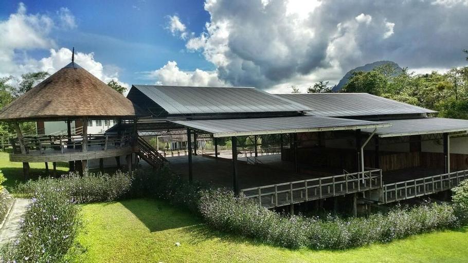 Borneo Tribal Village, Bau