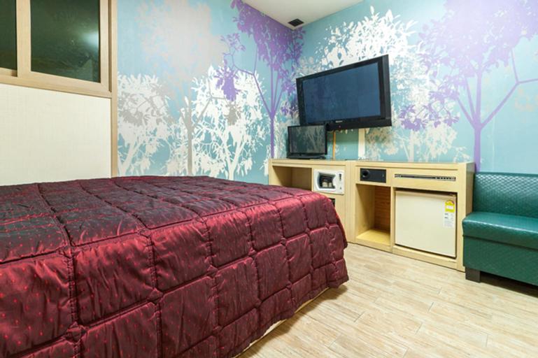 Mong Motel, Dobong