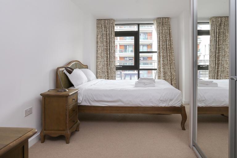 East London 2 Bedroom Apartment, London