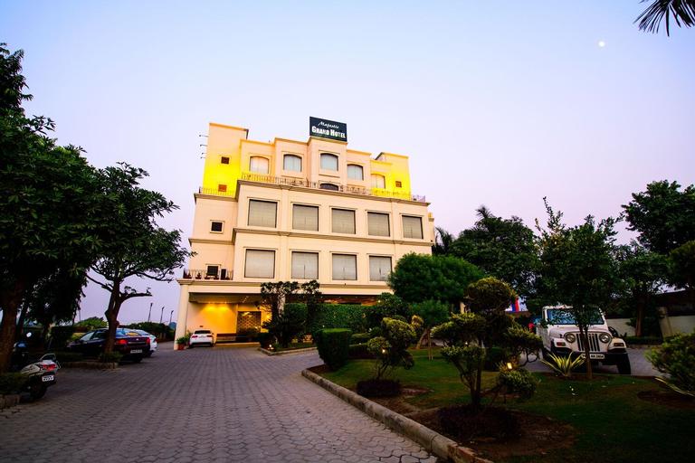Majestic Grand Hotel, Jalandhar