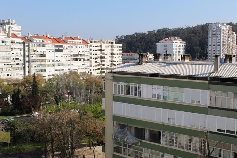 Stadium and Monsanto by Rental4all, Lisboa