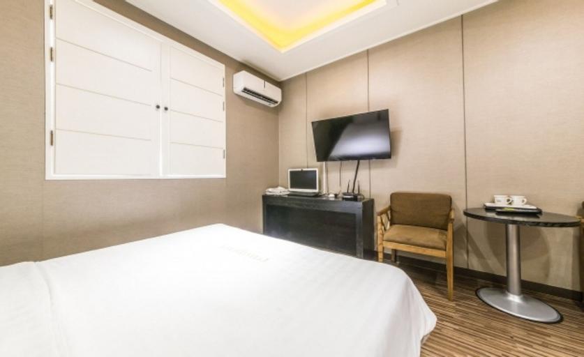 Rampart Hotel, Geum-cheon