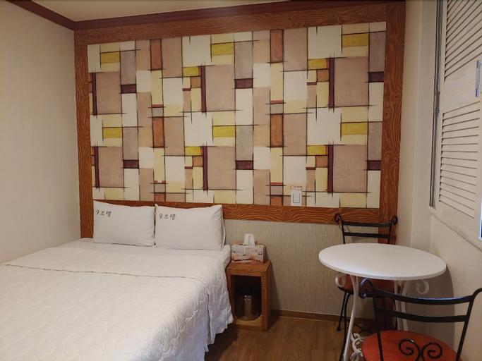 9 Motel, Gangbuk