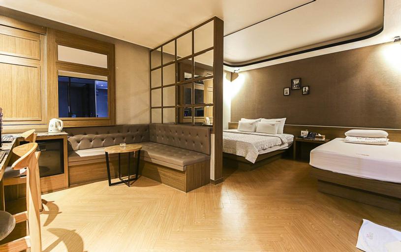2Heaven Hotel, Gimhae