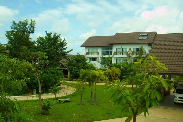 Thongpaeka Hotel, Phrasat