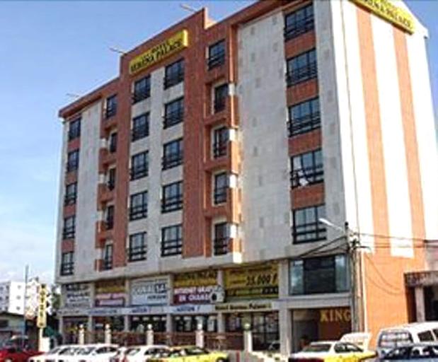 Serena Palace Hotel, Wouri