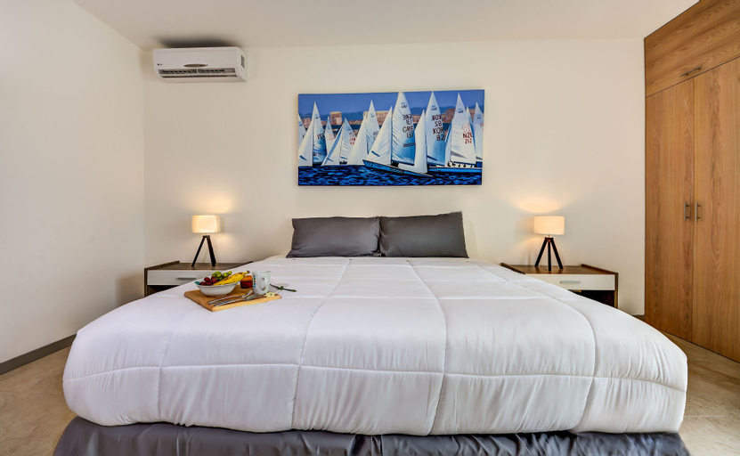 Atthakan 3 bedroom apartment sleeps 10, Cozumel