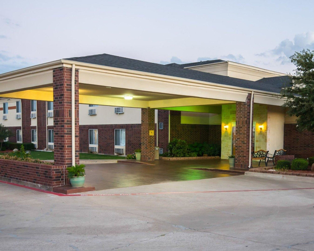 Comfort Inn & Suites, Ellis