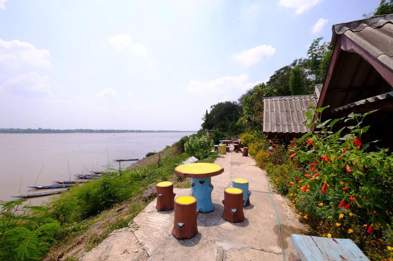 Baanpakrimklong Sukhamon Homestay & Resort, Muang Mukdahan