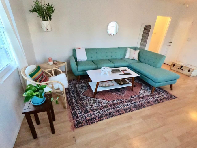 Mid Century Good Vibes 2bd Venice Beach Home!, Los Angeles