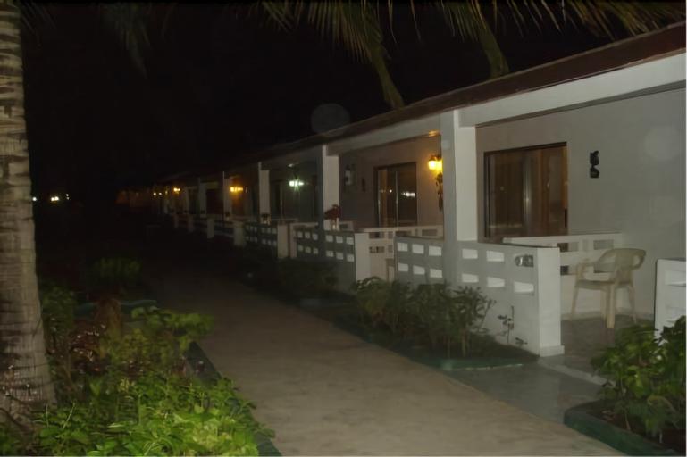 Holiday Beach Club Hotel, Kombo Saint Mary
