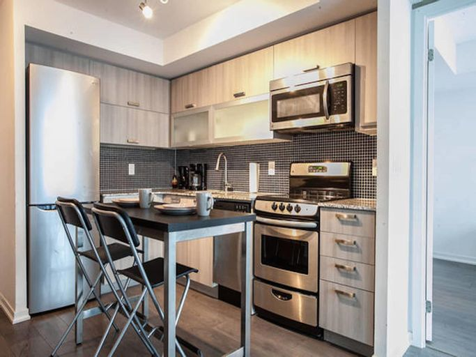Pinnacle Suites - Two Bed and Bath Condo offered by Short Term Stays, Toronto