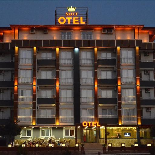 Karacalar Suit Otel, Merkez