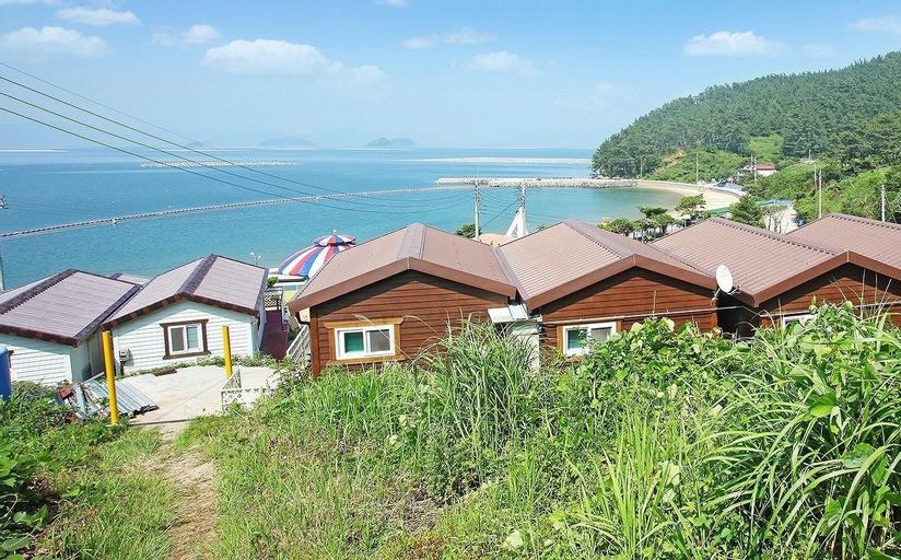 Saryangdo Island Dandihae Pension, Goseong