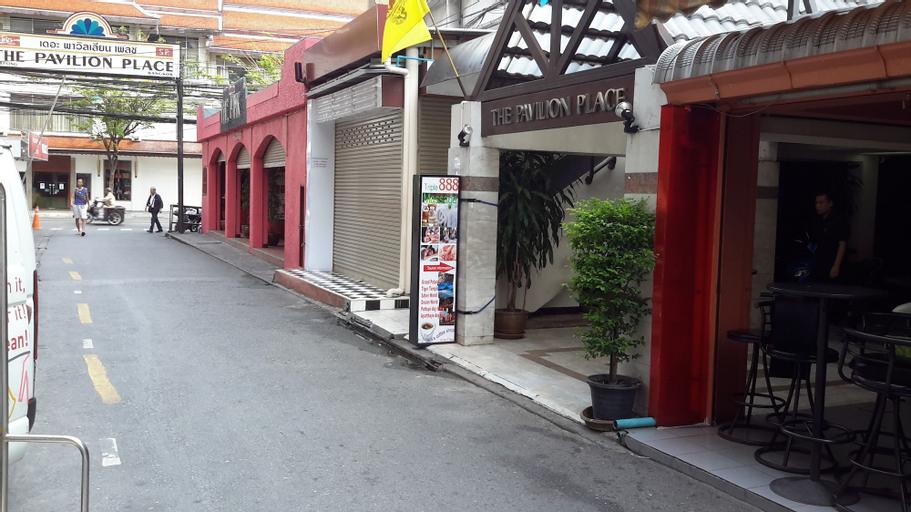 The Pavilion Place, Bang Rak