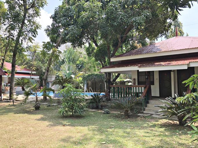 The Pelican's Resort, Lian