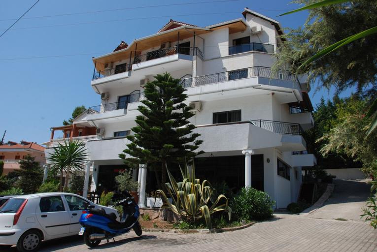 Hotel Freskia, Sarandës