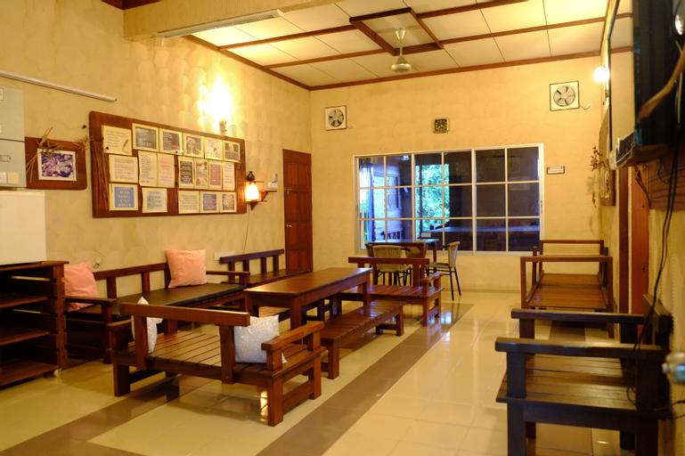 TnT Novelty House, Hilir Perak