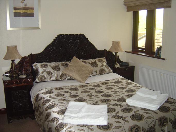 Loe Lodge, Bury