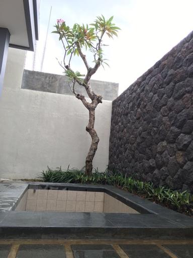 The Villaku Batu, Malang