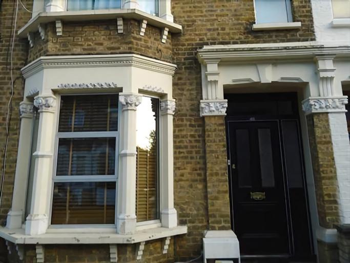 Leslie Road Accommodation, London