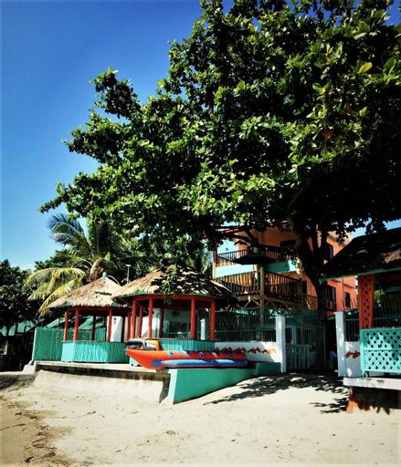SmallFry's Beach Resort, Calatrava