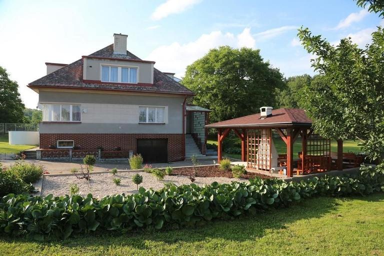 Cottage Near the Forrest Kovac, Jičín