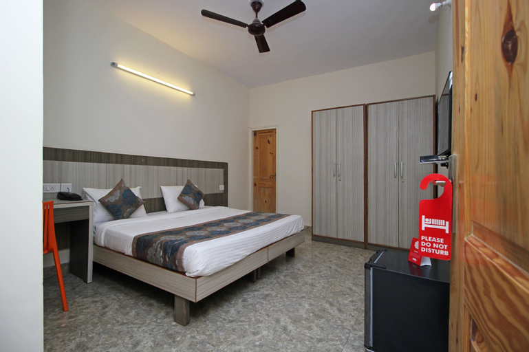 Homely Hotel near Sector 31 Gurgaon, Gurgaon