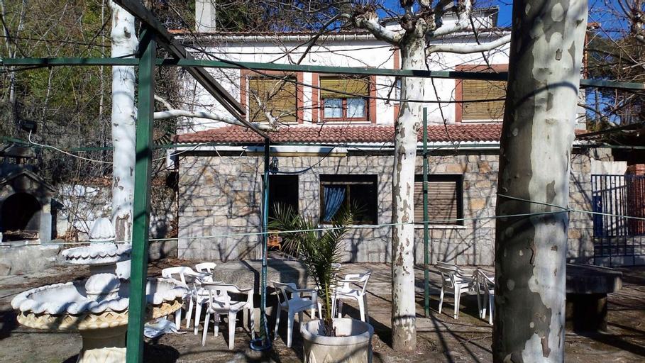 House With 5 Bedrooms in Sotillo de la Adrada, With Pool Access, Enclo, Ávila