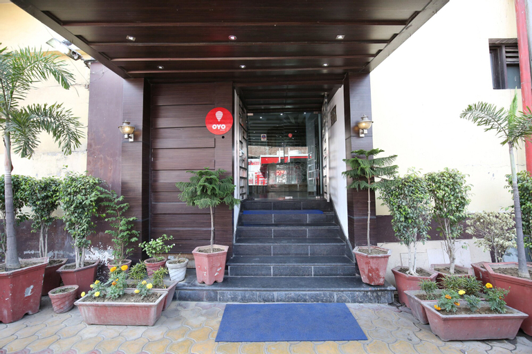 OYO 1673 Hotel MM Yellowuds, Amritsar