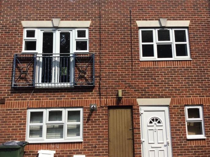 Congleton Grove Vacation House, London