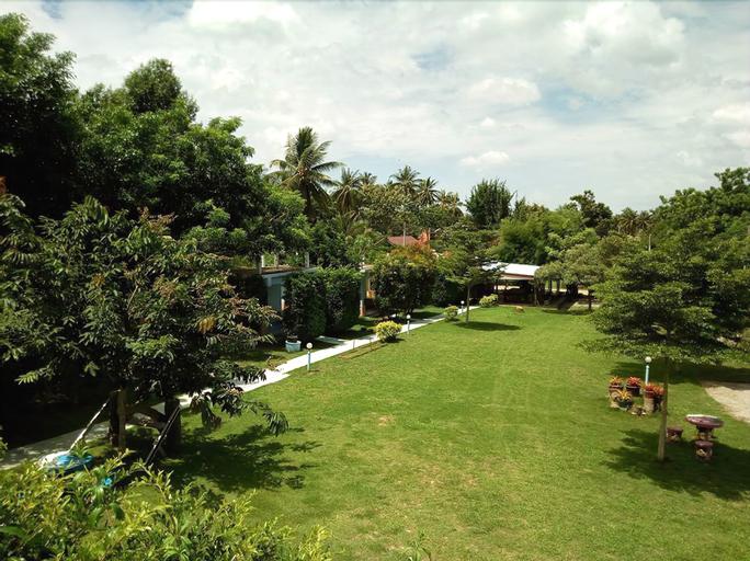 At My Home Resort Bangsaphan, Bang Saphan