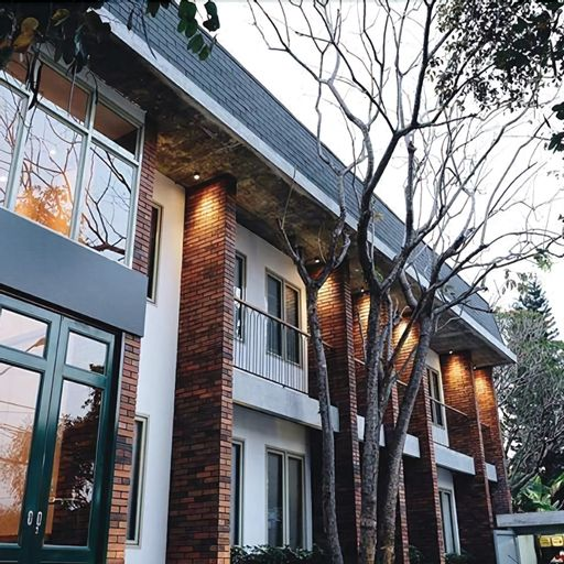 Oliver's Hostelry, Bandung
