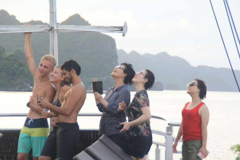 Lan Ha Legend Cruise, Hạ Long