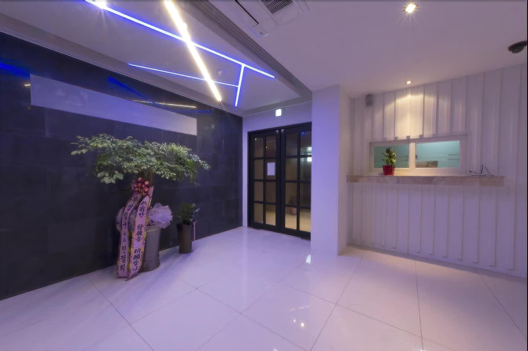 The Lazzi Hotel Dongnae, Dongnae