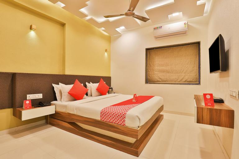 OYO 10749 Hotel Neelkanth Bliss, Ahmadabad