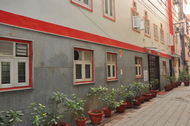 Homely Hotel near Sector 31 Gurgaon, Gurgaon