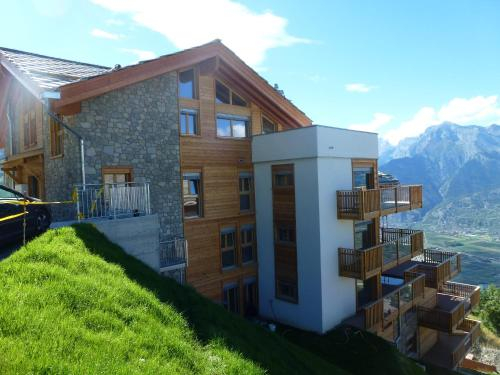 Ski Heaven LUXE & CENTER apartments, Sion