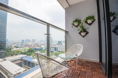 22HOUSING LUXURY 02 BEDROOMS APARTMENT- VINHOMES METROPOLIS, Ba Đình