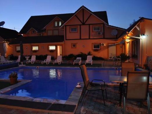 Hotel Batiz, Calan