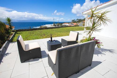 House with 7 bedrooms in Urzelina with wonderful sea view enclosed garden and WiFi, Velas