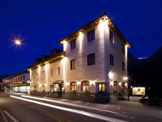 Hotel Astras, Inn
