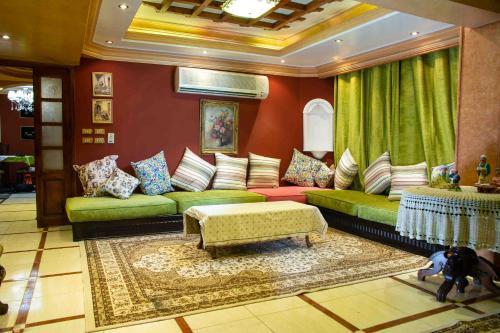 Stylish Luxury Spacious Apartments Cairo, Al-'Ajuzah