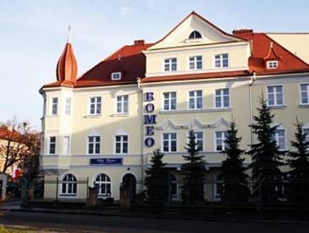 Villa Romeo, Brzeg
